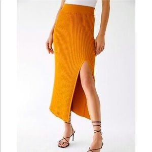 Wilfred front slit knit skirt size XS